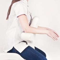 Arbetsstol / sadelstol AZZURRO SPECIAL 052 svart med ryggstöd